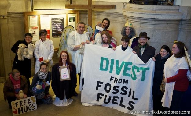 06  fossil free nativity