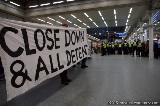 12 eurostar no borders protests - ©indyrikki