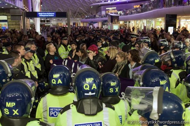 17 eurostar no borders protests - ©indyrikki